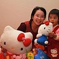 家裡大真好,可以擺一大堆玩具,小孩就不會一直黏大人 :p