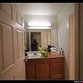 2/7 洗手檯和衛浴間有隔開