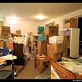 2/7 堆滿箱子的客廳