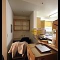 2/7 廚房旁有個小隔間可當書房