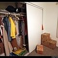 2/9 主臥的衣櫥空間也很大