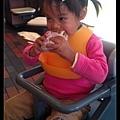 陳小牛人生漢堡初體驗!