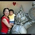 與愛麗絲的兔子合照