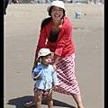媽媽不死心,要再度帶Q寶體驗海水,Q寶露出非常為難的神色...