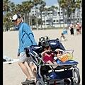「沙上行 stroller」可能比「陸上行舟」還難...