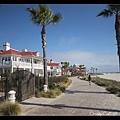 沙灘旁的飯店