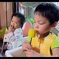 Q寶吃玉米