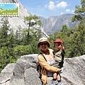看到 Yosemite Fall 了!耶!