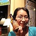 喝啤酒(是 Yosemite 自己出的耶。還滿好喝的)