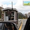 Tioga Pass(隘口) 標高 9945 英呎(3031 公尺)