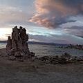 夕陽下的 Mono Lake