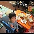 四小朋友的晚餐時間