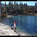 湖邊的小矮人