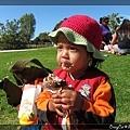 4/3 這可能是陳小牛第一次認真吃冰淇淋(真的餓壞了)