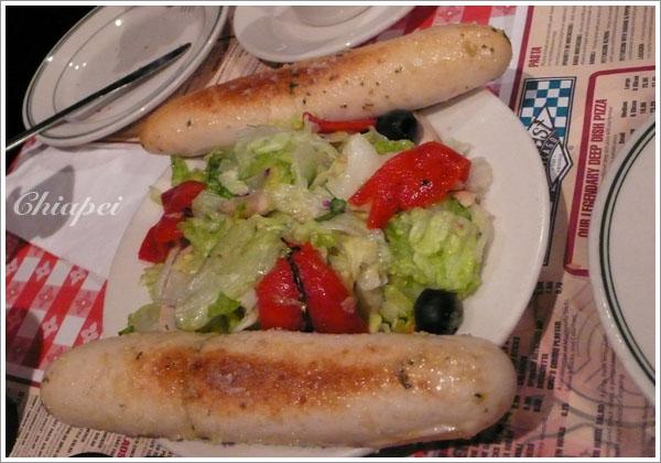 沙拉及麵包