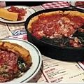 芝加哥的特產:deep dish pizza