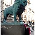 美術館前的大獅子