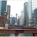 坐捷運的 loop 線逛市區