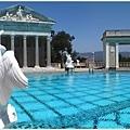 Hearst Castle 最著名的希臘風戶外游泳池