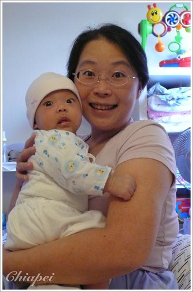 9/8 媽媽很少與寶寶合照呢