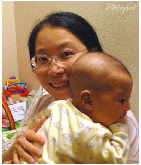 9/14 媽媽在幫寶寶拍拍