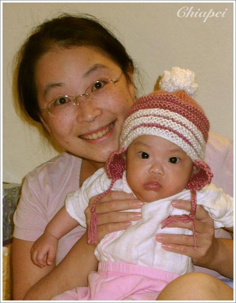10/17 這可是媽媽量著寶寶頭圍織出第一件合身的作品哦!