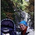父女倆與 Lower Yosemite Fall