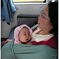 熟睡的寶寶及媽媽