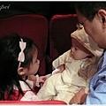 12/26 阿馨表阿姨訂婚宴,小蘋果姊姊很喜歡小牛妹妹
