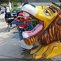 公園門口的獅子飲水機