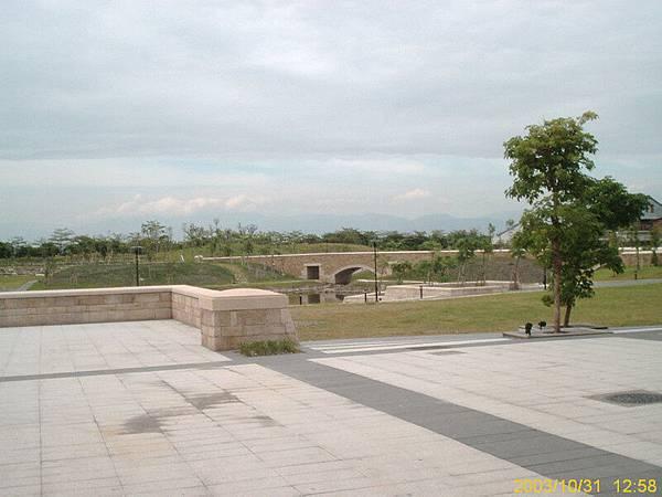2003-103100009.jpg