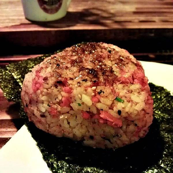 鲑魚烤飯糰