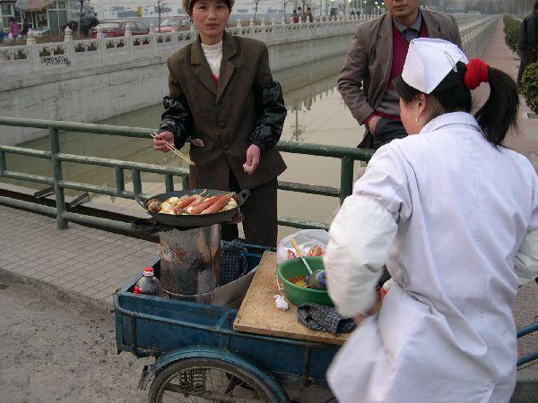 煎鳥蛋、中式熱狗