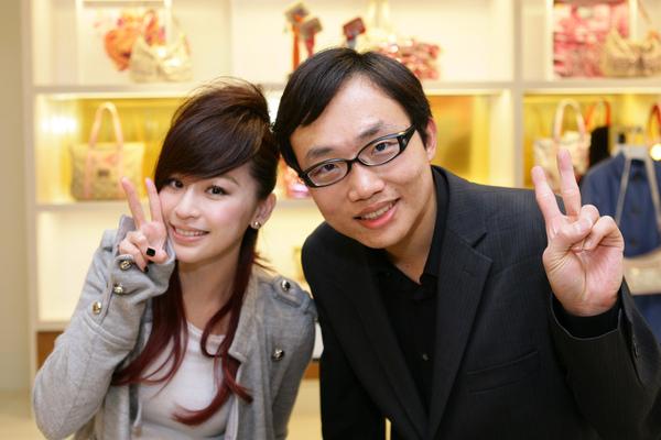 20100119_我與王心凌.jpg