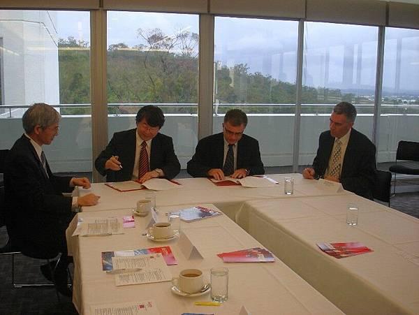 20090202Griffith大學、CEPS參訪簽約