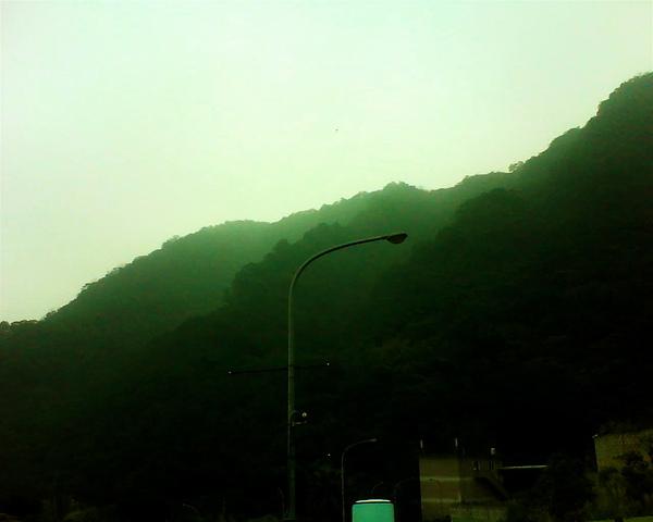 爬山的山.JPG
