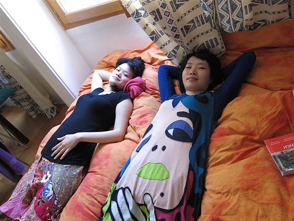 2010/06/03 每天早上都會躺一下的兩人