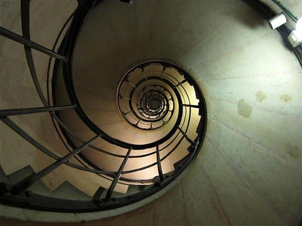 沒想到接下來有那麼多的樓梯要爬