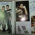 Son 雜誌內頁簽名