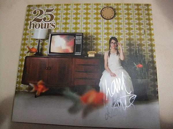 25 Hours主唱簽名CD