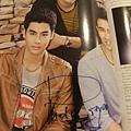 Phet簽名雜誌內頁