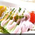 田園沙拉佐藍莓醬2.JPG