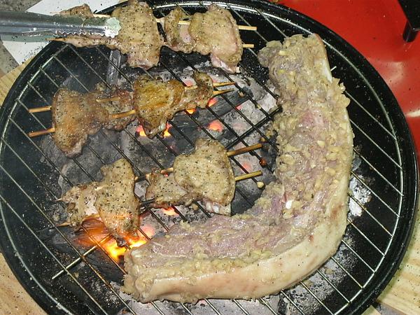 看得口水都要滴下來的烤肉.JPG