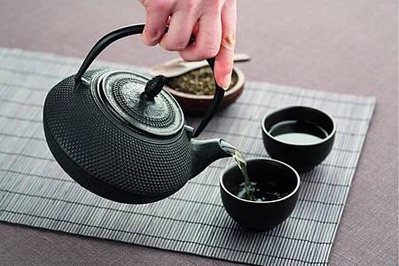 中國風鑄鐵茶壺01