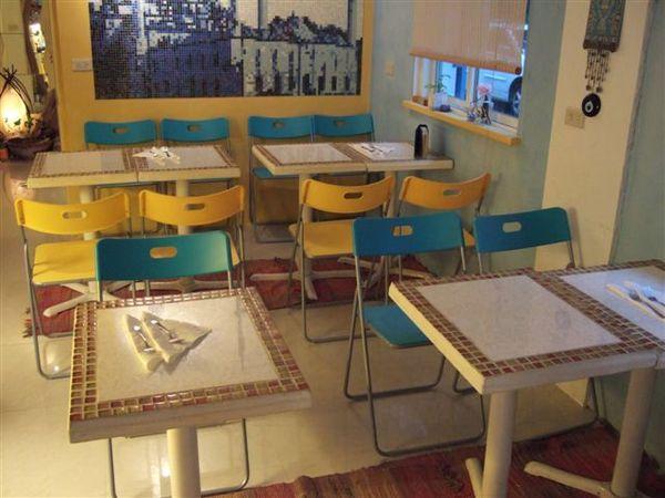 外側的用餐區.JPG