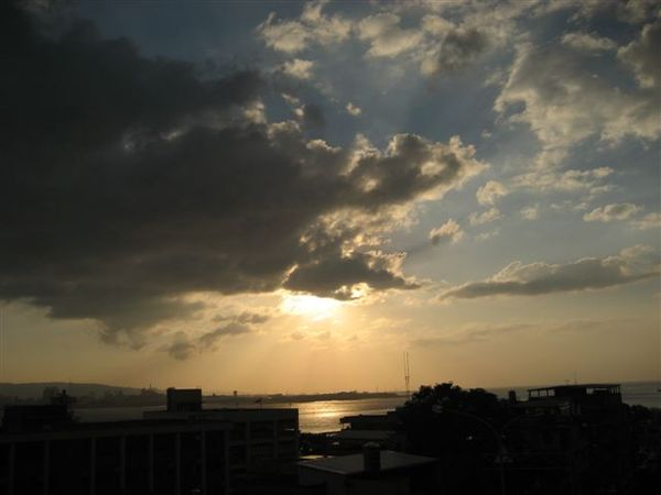 太陽快下山-2