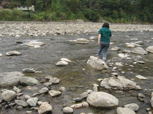 小溪邊跑跳碰系列--1
