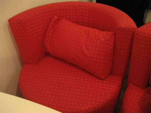 可愛的小紅沙發