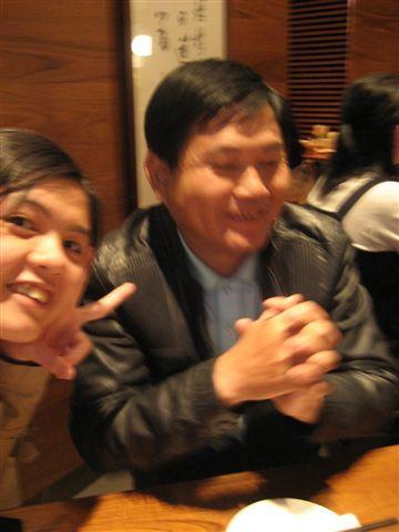 我和老爸~(硬要自拍)