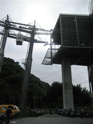纜車動物園站的車子出口-2